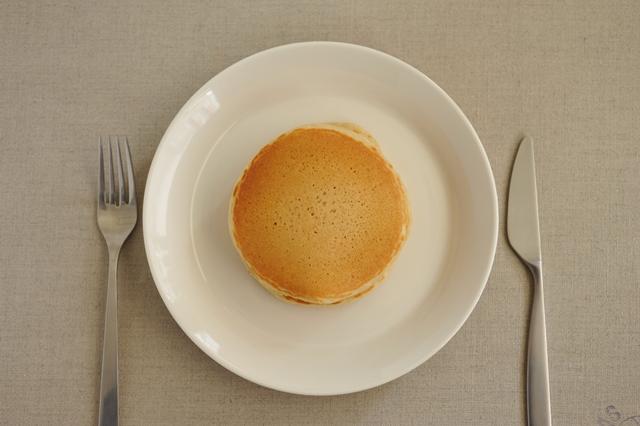 「太陽のおやつ - 湘南の麦畑から - 」 太陽のパンケーキ バターミルク 200g (湘南小麦石臼挽き全粒粉使用) 水だけで調理OK!